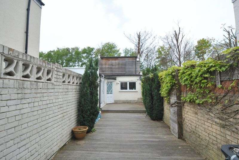 3 Bedrooms Detached House for sale in Wightman Road, N8