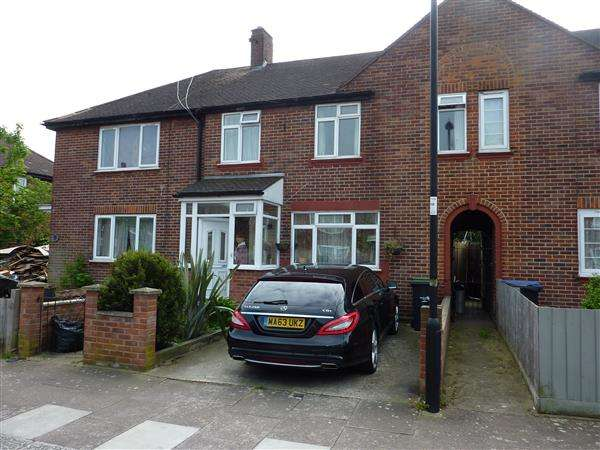 3 Bedrooms House for sale in Barclay Road, London