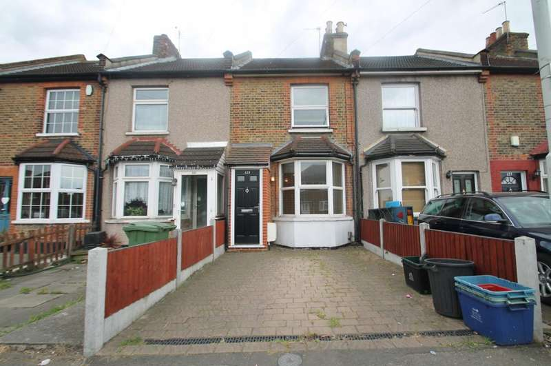 2 Bedrooms Terraced House for sale in TOMSWOOD HILL, HAINAULT