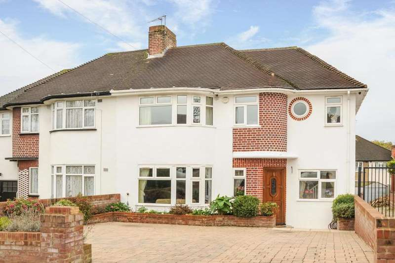 5 Bedrooms Semi Detached House for sale in Hampden Way, Southgate, N14