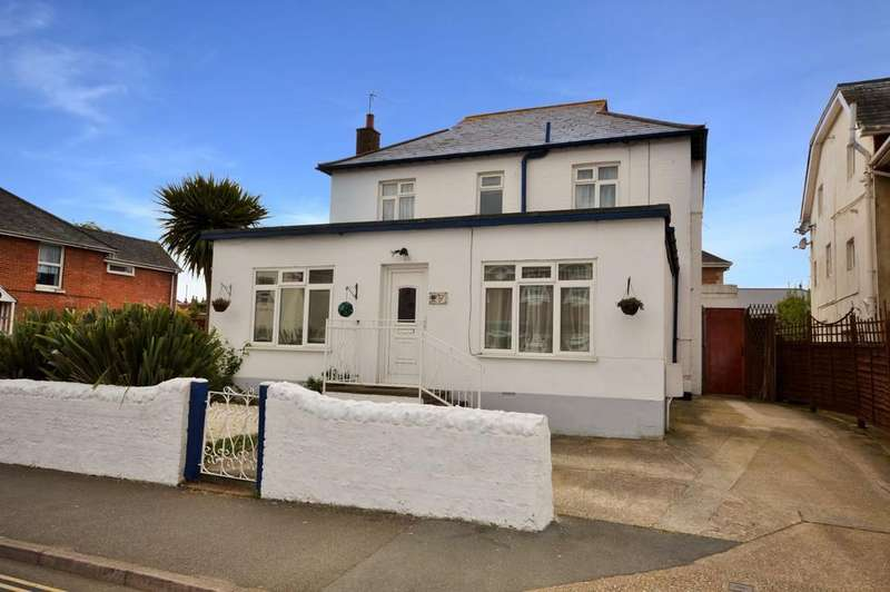 5 Bedrooms Detached House for sale in Avenue Road, Sandown