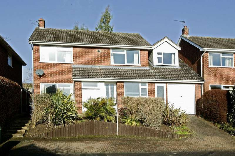5 Bedrooms Detached House for sale in Lindford Drive, Eaton