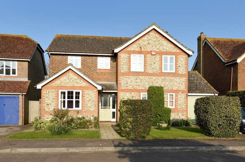 4 Bedrooms Detached House for sale in Priors Acre, Boxgrove, PO18