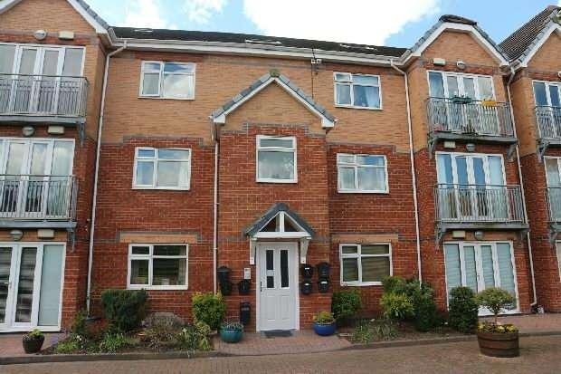 2 Bedrooms Apartment Flat for sale in Forbes House , Score Lane , Liverpool