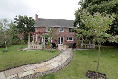 5 Bedrooms Detached House for sale in Redshank Drive, Tytherington, Cheshire