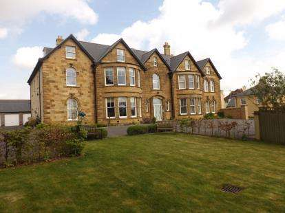 2 Bedrooms Flat for sale in Balidon Place, Yeovil, Somerset