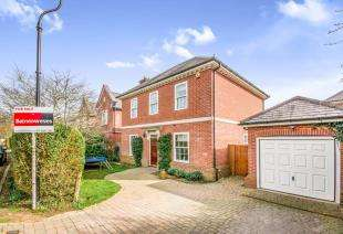 4 Bedrooms Detached House for sale in Stoney Croft, Netherne On The Hill, Coulsdon, Surrey