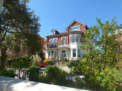 1 Bedroom Flat for sale in Albert Road, Churchtown, Southport, Merseyside, PR9