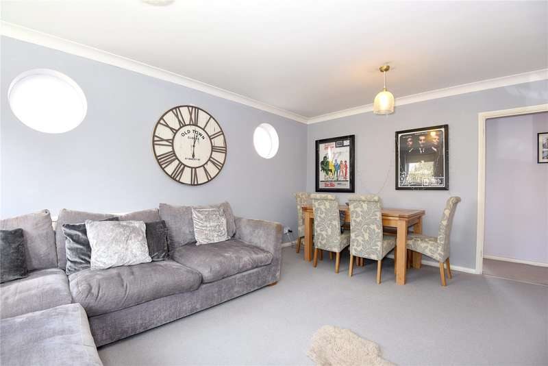 2 Bedrooms Apartment Flat for sale in Windermere Court, Alexandra Road, Watford, WD17