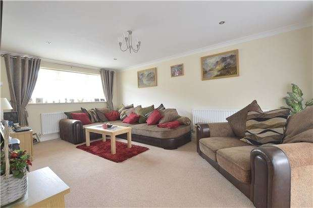 3 Bedrooms Semi Detached House for sale in Newtown, Tewkesbury, Gloucestershire, GL20 8DH