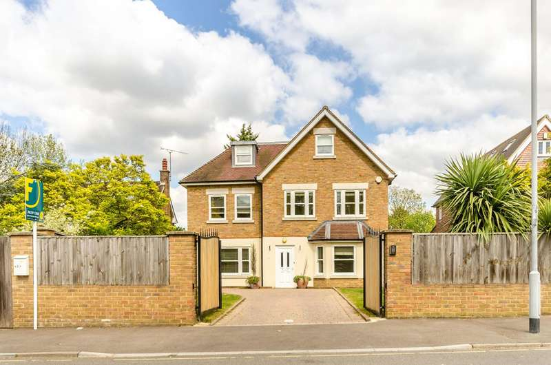 5 Bedrooms Detached House for sale in Corkran Road, Surbiton, KT6