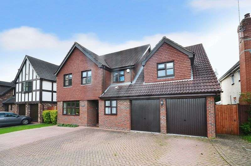 5 Bedrooms Detached House for sale in Rainsborough Rise, Thorpe St Andrew, Norwich