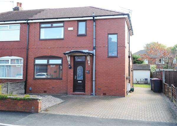3 Bedrooms Semi Detached House for sale in 16 Elsinore Avenue, Irlam M44 6NP