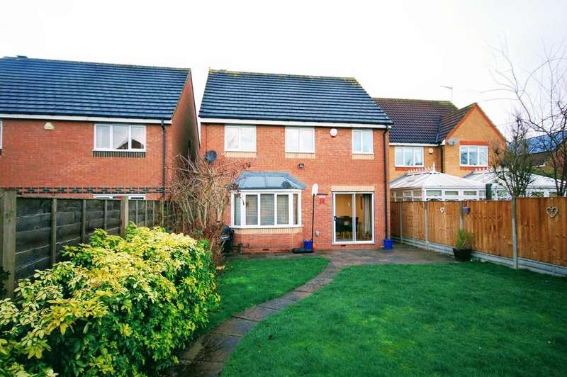 4 Bedrooms Detached House for sale in Wensum Road, Stevenage