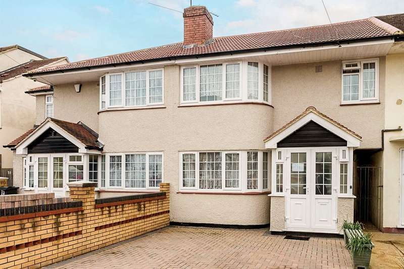 4 Bedrooms Terraced House for sale in Longford Avenue, Bedfont, TW14
