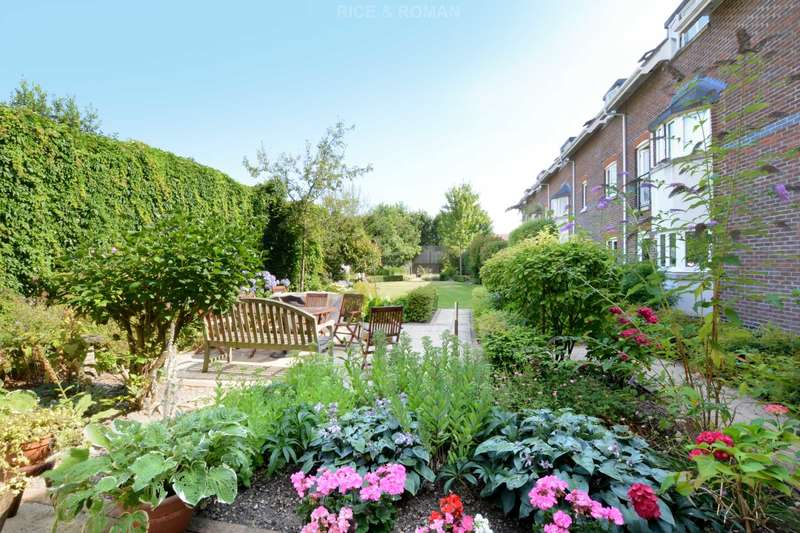 1 Bedroom Retirement Property for sale in Manor Place, Walton