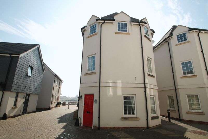 3 Bedrooms Semi Detached House for sale in Eastcliff, Portishead