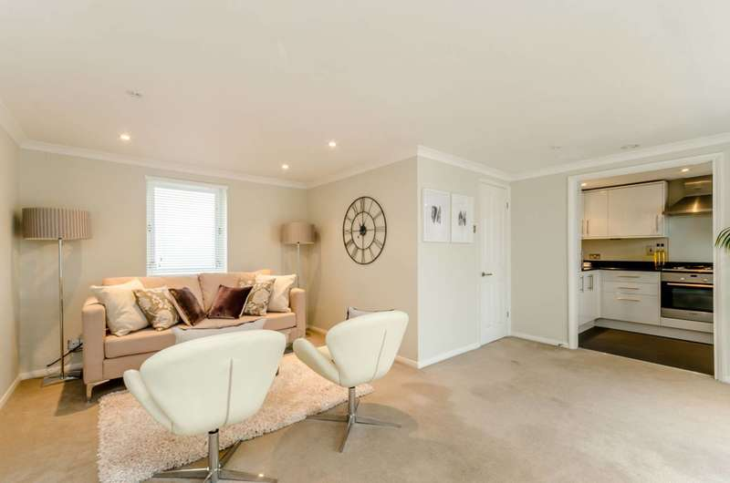 3 Bedrooms End Of Terrace House for sale in Lambs Mews, Islington, N1