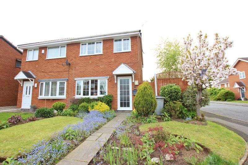 3 Bedrooms Semi Detached House for sale in Churn Way, Greasby, Wirral