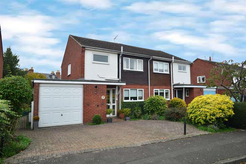 3 Bedrooms Property for sale in St. Johns Close, Stratford-Upon-Avon
