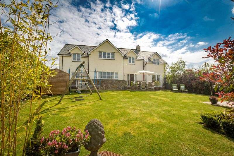5 Bedrooms Detached House for sale in Oak Cross House, Cheriton Bishop