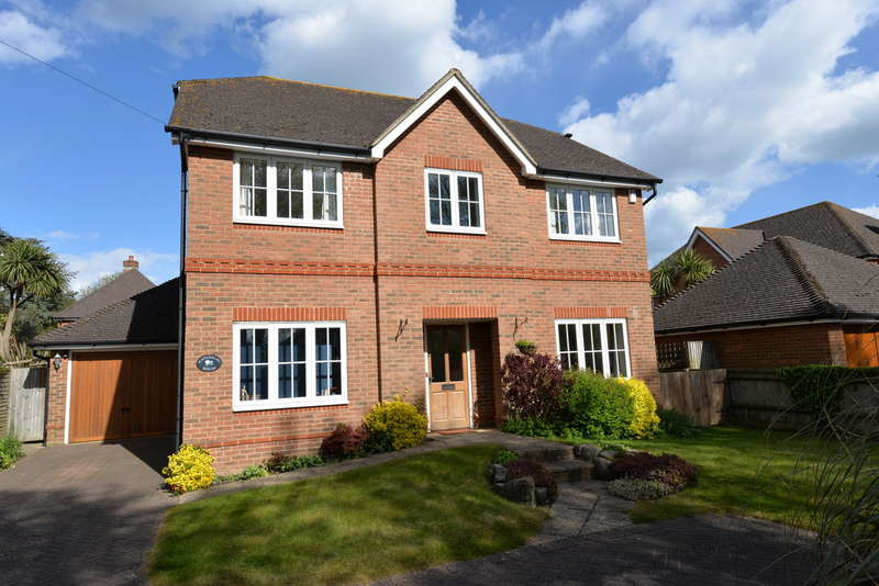 5 Bedrooms Detached House for sale in Kennard Road, New Milton