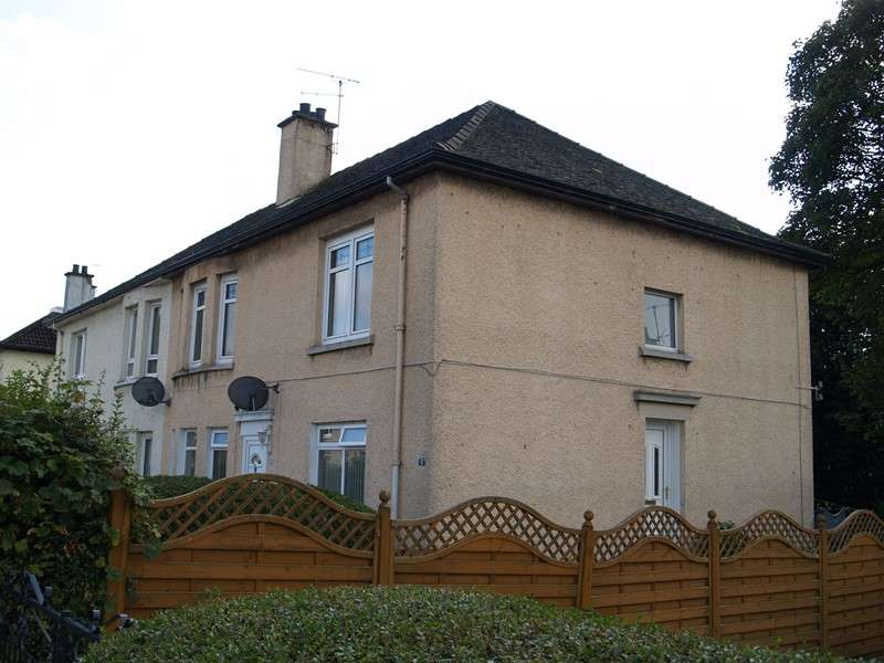 2 Bedrooms Flat for rent in Locksley Avenue, Knightswood, Glasgow