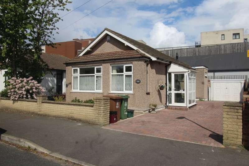 2 Bedrooms Detached Bungalow for sale in St. Johns Road, Welling, DA16