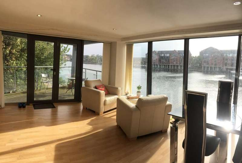 2 Bedrooms Apartment Flat for sale in City Wharf, Cardiff Bay