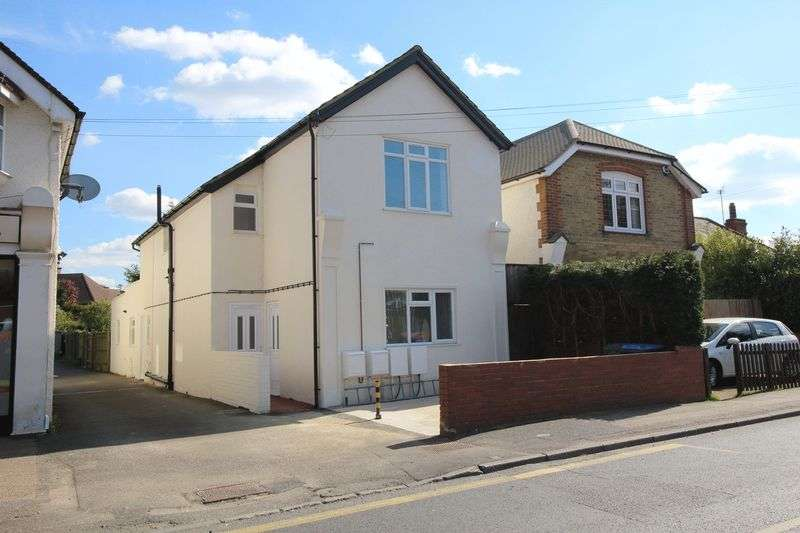 2 Bedrooms Maisonette Flat for sale in CHALDON ROAD, CATERHAM ON THE HILL