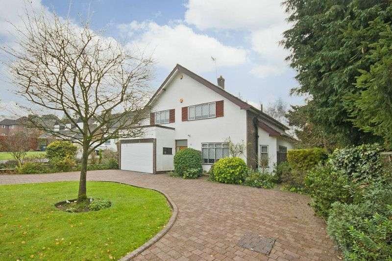 4 Bedrooms Detached House for sale in Heathside Road, Moor Park, Northwood, Middlesex