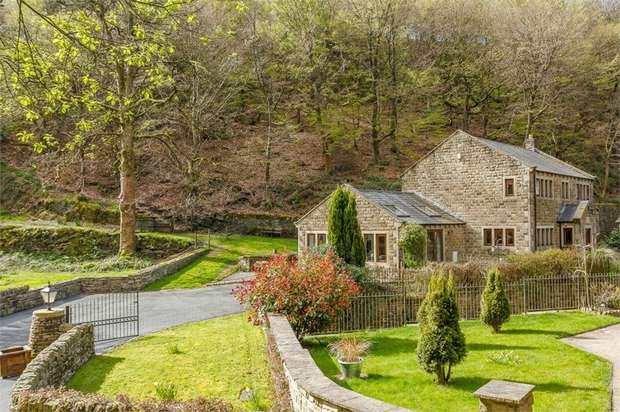 4 Bedrooms Detached House for sale in Bar Lane, Sowerby Bridge, West Yorkshire
