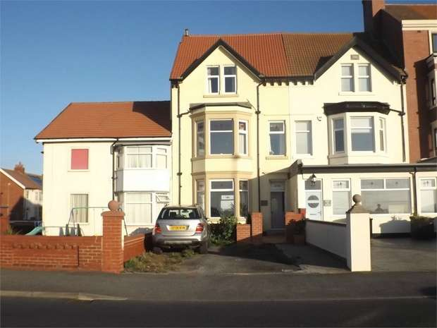 6 Bedrooms Terraced House for sale in Queens Promenade, Blackpool, Lancashire