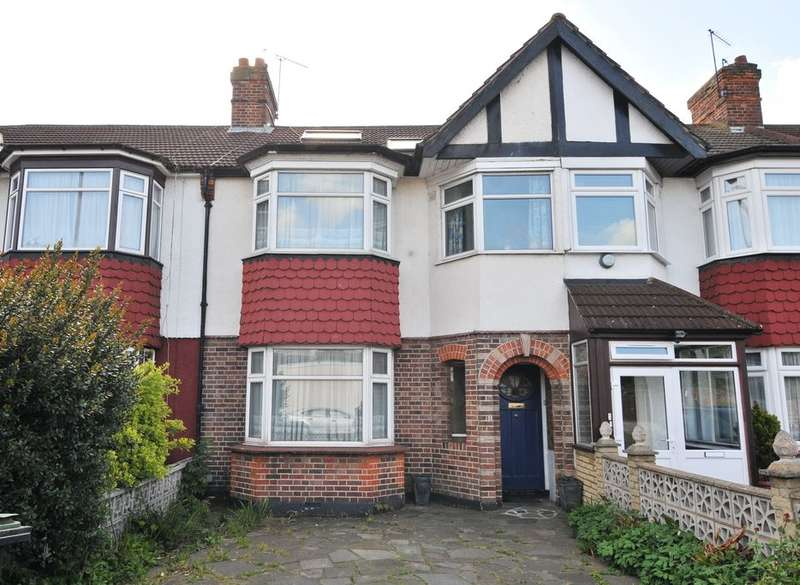 4 Bedrooms Property for sale in Connaught Gardens, Palmers Green, London, N13