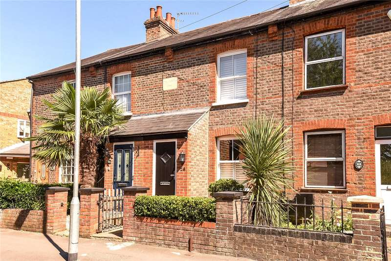 2 Bedrooms Terraced House for sale in Church Lane, Mill End, Hertfordshire, WD3