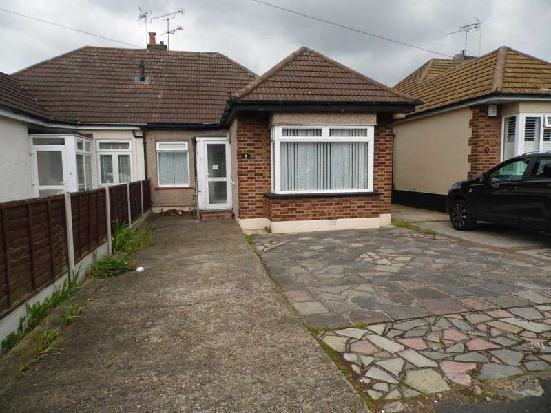 2 Bedrooms Semi Detached Bungalow for sale in Triton Way, Thundersley