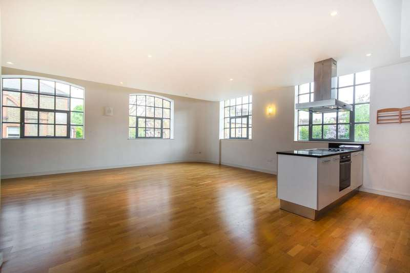 3 Bedrooms Flat for sale in Yvon House, Battersea Park, SW11