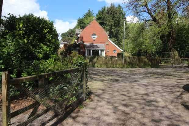 3 Bedrooms Semi Detached House for sale in Druidstone Road, Cardiff, South Glamorgan, CF3 6XD