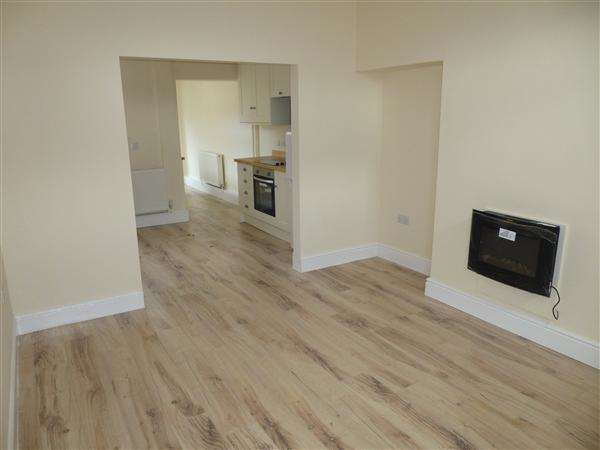 2 Bedrooms Terraced House for sale in Hanover Street East, Leeman Road, York