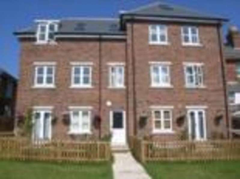 2 Bedrooms Apartment Flat for sale in Mill Hill Road, Cowes