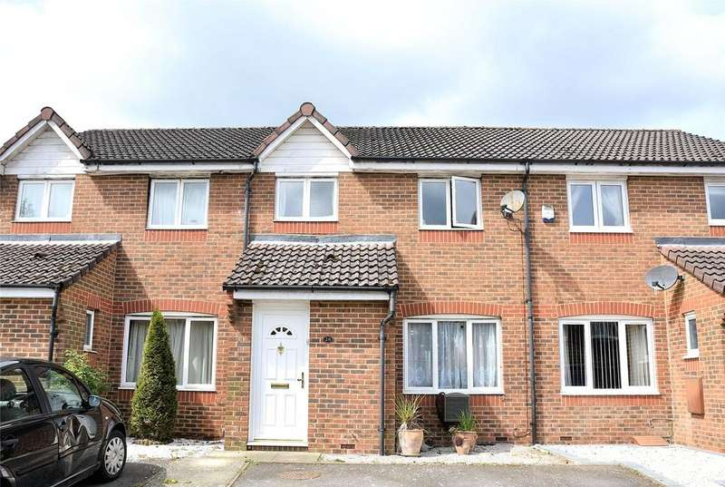 3 Bedrooms Terraced House for sale in Turbary Gardens, Tadley, Hampshire, RG26