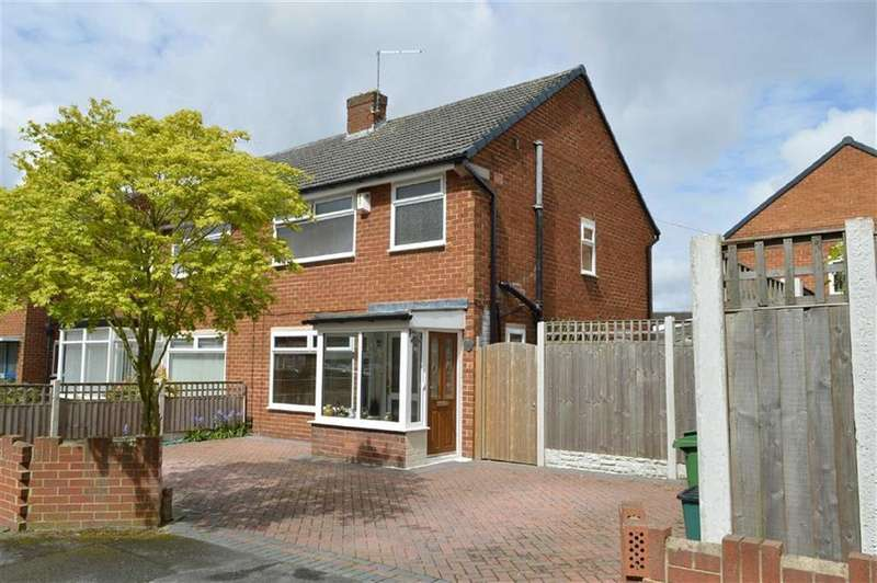 3 Bedrooms Semi Detached House for sale in Parkfield Drive, CH65
