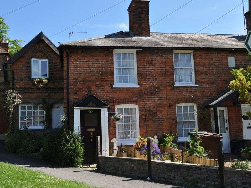 2 Bedrooms House for sale in Green Lane, Stanmore