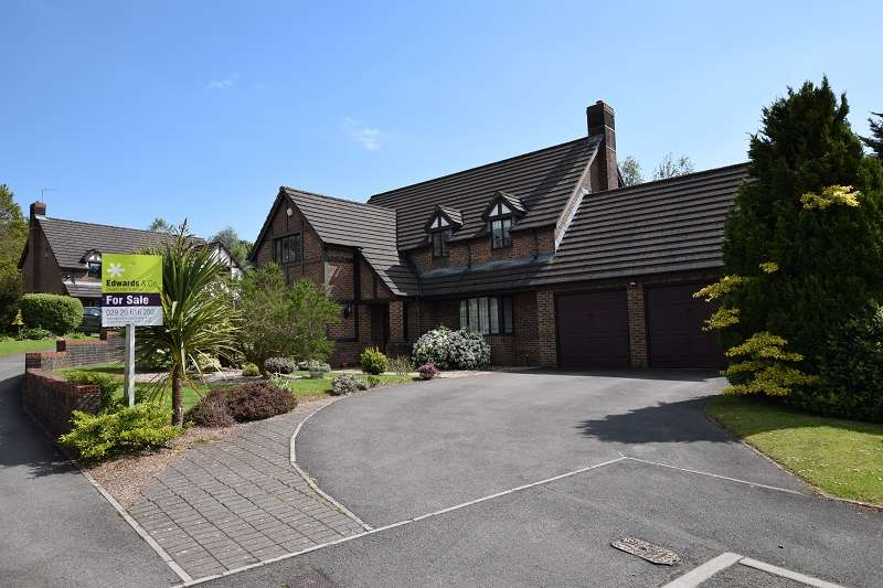 5 Bedrooms Detached House for sale in Ruperra Close, Old St Mellons, Cardiff. CF3 6HX