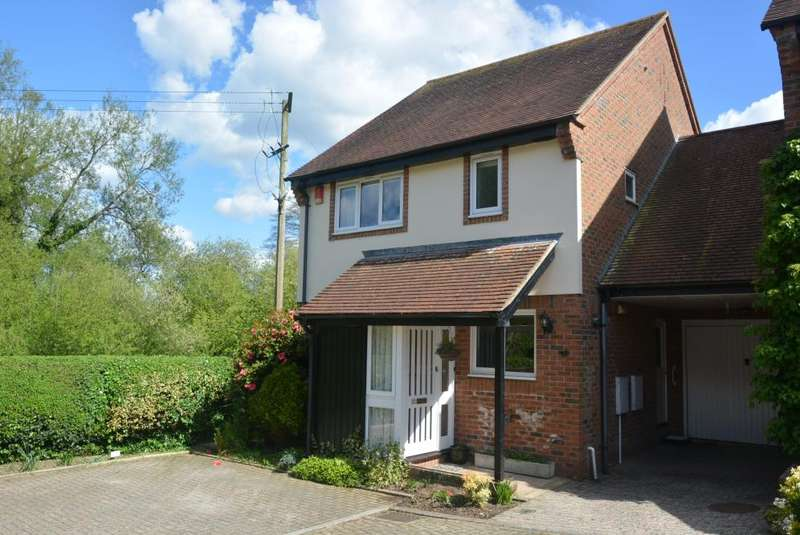 4 Bedrooms Link Detached House for sale in WIMBORNE
