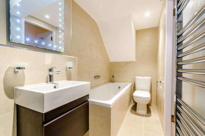 2 Bedrooms Flat for sale in Muswell Avenue, Muswell Hill, N10