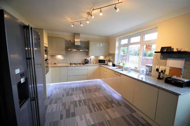 5 Bedrooms Semi Detached House for sale in Grafton Avenue, Rochester