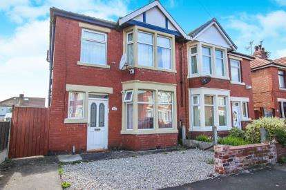 3 Bedrooms Semi Detached House for sale in Lindale Gardens, Blackpool, Lancashire, England, FY4
