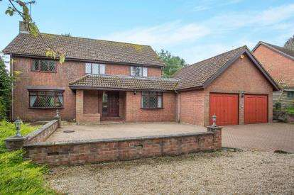 4 Bedrooms Detached House for sale in Swaffham, Norfolk