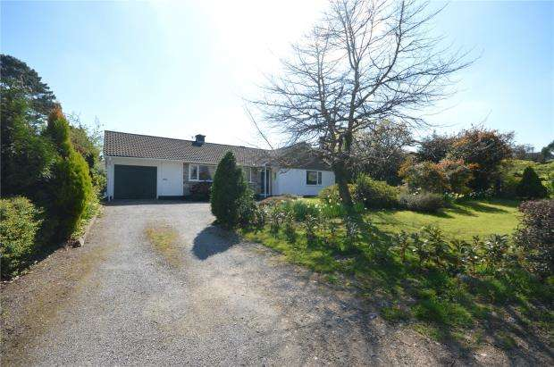 3 Bedrooms Detached Bungalow for sale in Brimley Road, Bovey Tracey, Newton Abbot, Devon